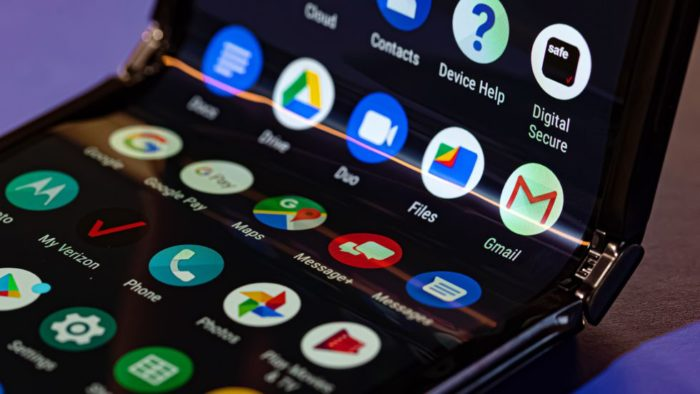 Od Motoroli Razr do Galaxy Fold: wzloty i upadki składanych telefonów w 2019 roku